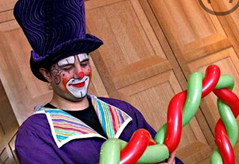 The best NYC party clowns that you can hire for your party events.